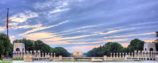 Photograph - The Mall by JC Findley