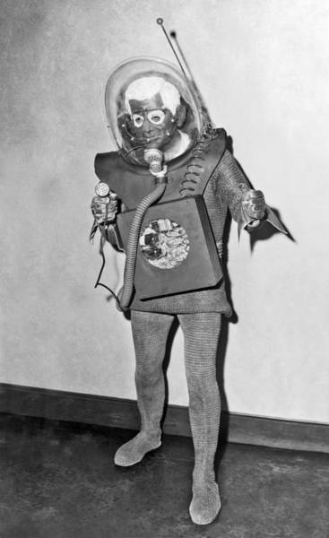 Photograph - The Man From Planet X by Underwood Archives