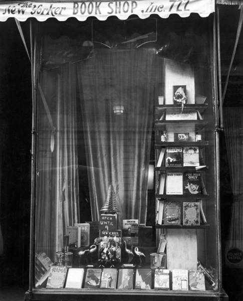 Window Shopping Photograph - The New Yorker Book Shop by Underwood Archives