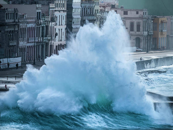 Wall Art - Photograph - The North Wind Blows A Large Wave by Michael Melford