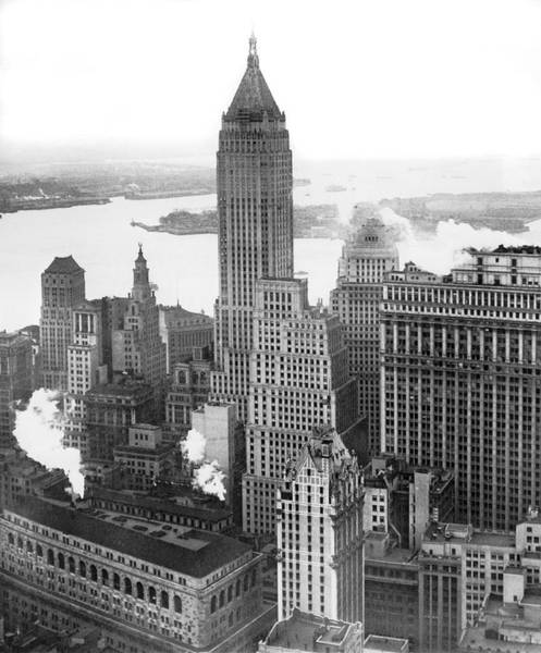 Wall Art - Photograph - The Ny Financial District by Underwood Archives