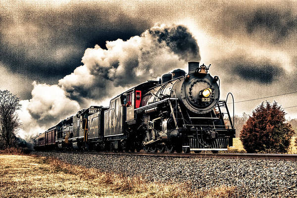 Norfolk Va Wall Art - Photograph - The Old 630 by Mark East
