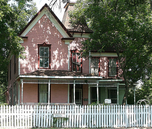 Chimnies Photograph - The Pink Victorian House by Linda Phelps