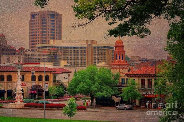 Liane Photograph - The Plaza - Kansas City Missouri by Liane Wright