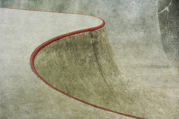 Wall Art - Photograph - The Red Curve by Greetje Van Son