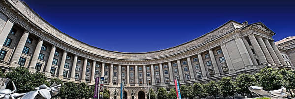 Federal Triangle Wall Art - Photograph - The Ronald Reagan Building And International Trade Center by Tom Gari Gallery-Three-Photography