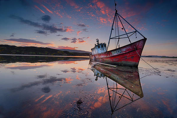 Bay Photograph - The Sabrina by Trevor Cole