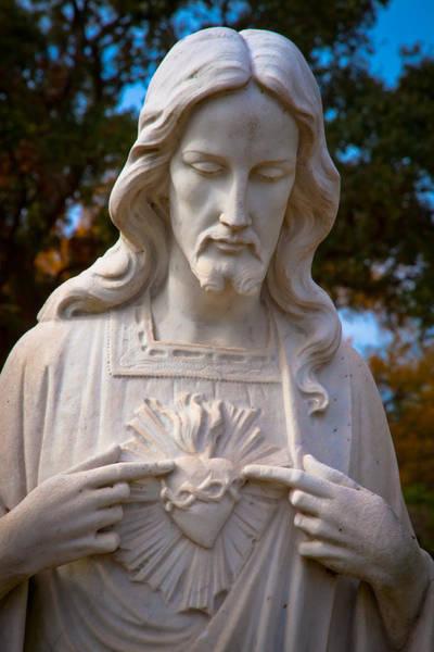 Sacred Heart Digital Art - The Sacred Heart by Linda Unger