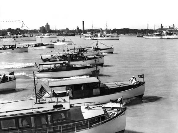 Racing Yacht Photograph - The Start Of The Liggett Trophy Race On The Detroit River In Mic by Underwood Archives