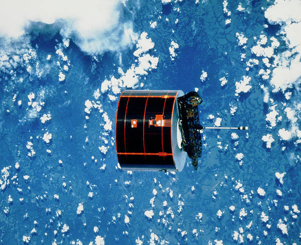 Iv Wall Art - Photograph - The Syncom Iv-5 Communications Satellite In Orbit by Nasa/science Photo Library