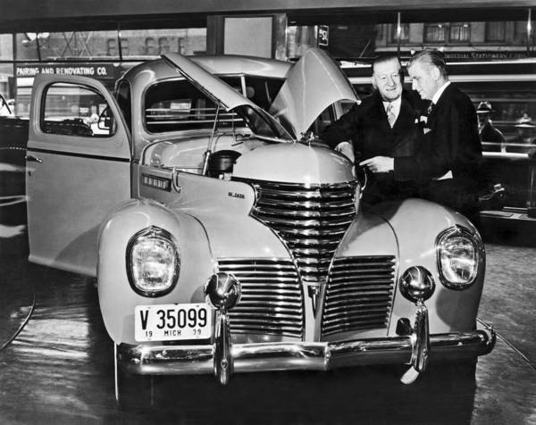 Wall Art - Photograph - The Talking De Soto by Underwood Archives