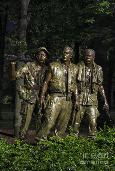 National Mall Wall Art - Photograph - The Three Soldiers by John Greim