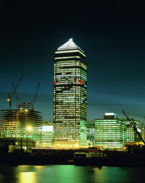 Canary Wharf Photograph - The Tower Block At Canary Wharf by Martin Bond/science Photo Library