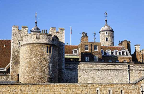 Preston Castle Photograph - The Tower Of London In London England by Robert Preston