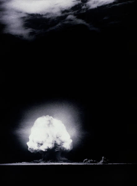 Atomic Bomb Photograph - The Trinity Test by Los Alamos National Laboratory/science Photo Library