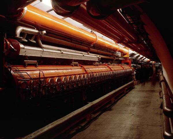 Particle Accelerator Wall Art - Photograph - The Tunnel Of Sps Accelerator At Cern by Heini Schneebeli/science Photo Library