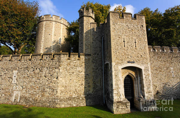 Preston Castle Photograph - The Walls Of The Tower Of London In London England by Robert Preston
