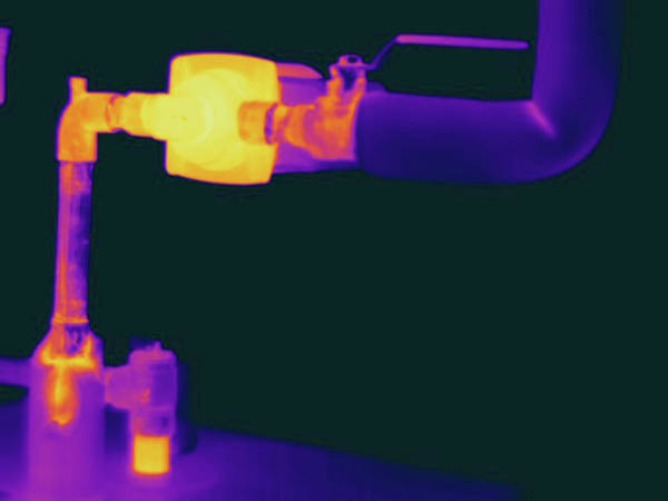 Wall Art - Photograph - Thermogram Of Hot Water Pipes by Science Stock Photography/science Photo Library