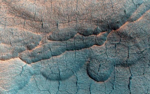Wall Art - Photograph - Thermokarst Landscape On Mars by Nasa/jpl-caltech/university Of Arizona/science Photo Library