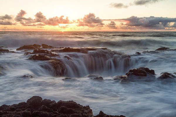 Cape Perpetua Wall Art - Photograph - Thor's Well by Patricia Davidson