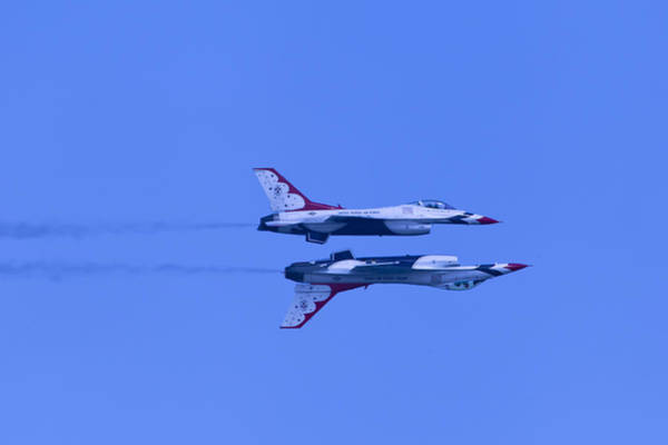 Photograph - Thunderbirds Solos 6 Over 5 Inverted by Donna Corless