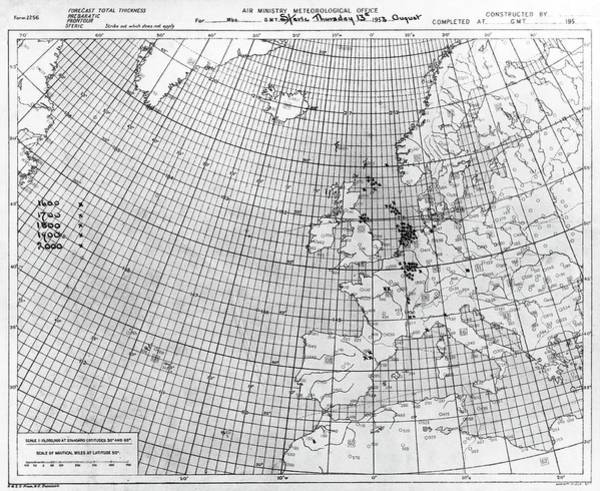 Wall Art - Photograph - Thunderstorm Detection Chart by British Crown Copyright, The Met Office / Science Photo Library