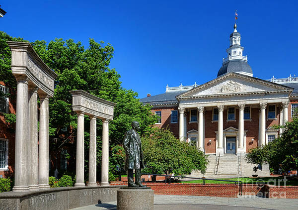 Photograph - Thurgood Marshall Memorial And Maryland State House by Olivier Le Queinec