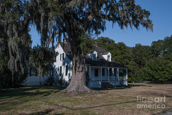 Photograph - Tidewater Cottage by Dale Powell