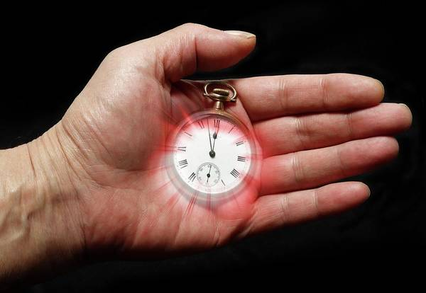 Timing Wall Art - Photograph - Time Pressure by Victor De Schwanberg/science Photo Library