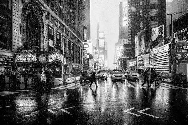 Square Wall Art - Photograph - Times Square by Jorge Ruiz Dueso