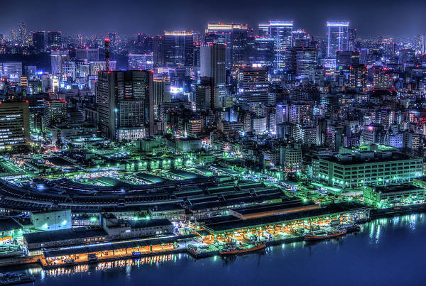 Night Photograph - Tokyo by Tomoshi Hara