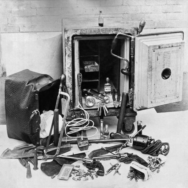 1921 Photograph - Tools Of The Safe Cracker by Underwood Archives