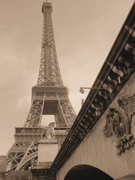 Autobus Photograph - Tower And Bridge In Paris by Scott Carda
