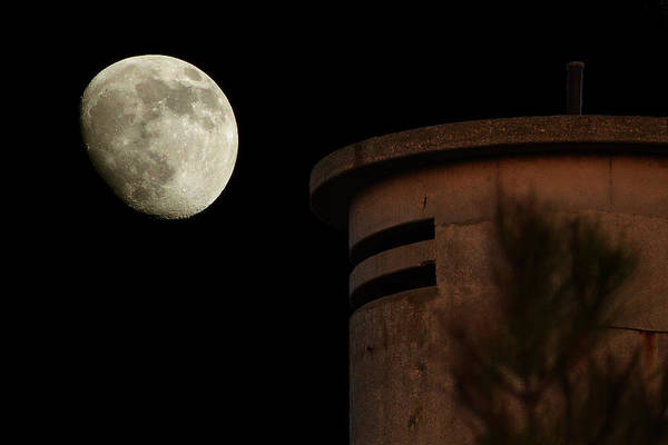 Photograph - Fct1 Tower Moonrise On Fenwick Island by Bill Swartwout Photography
