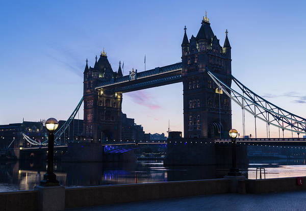 Thompson River Photograph - Tower Of London At Dawn by P A Thompson