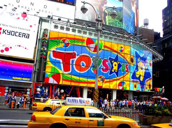 Photograph - Toys R Us Times Square by Cleaster Cotton