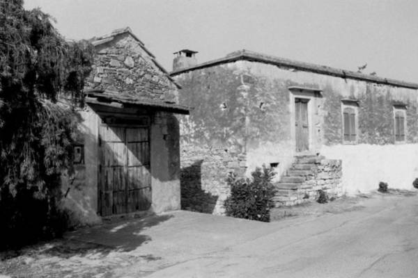 Photograph - Traditional Houses In Fres by Paul Cowan