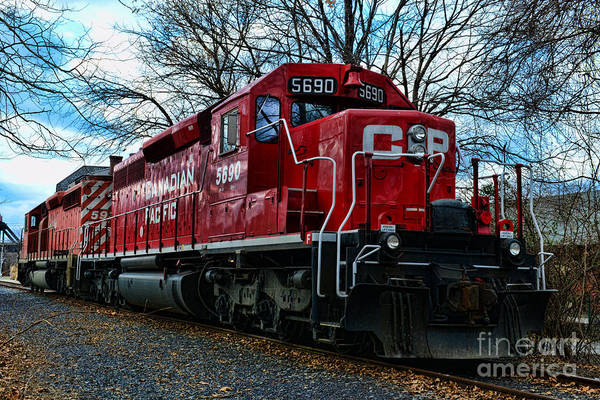 Canadian Pacific Railroad Photograph - Train - Canadian Pacific 5690 by Paul Ward