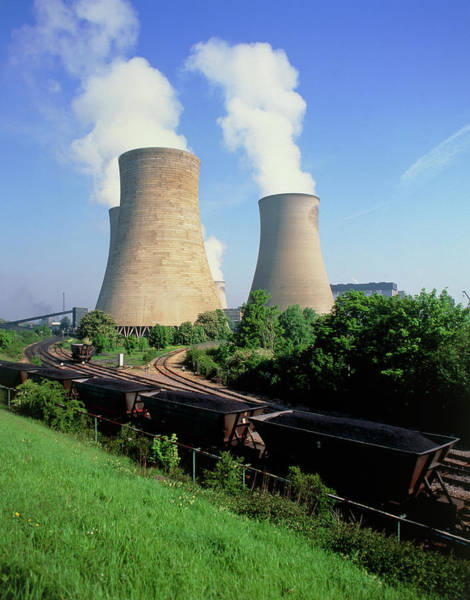 Coals Wall Art - Photograph - Train Delivering Coal To Power Station by Martin Bond/science Photo Library