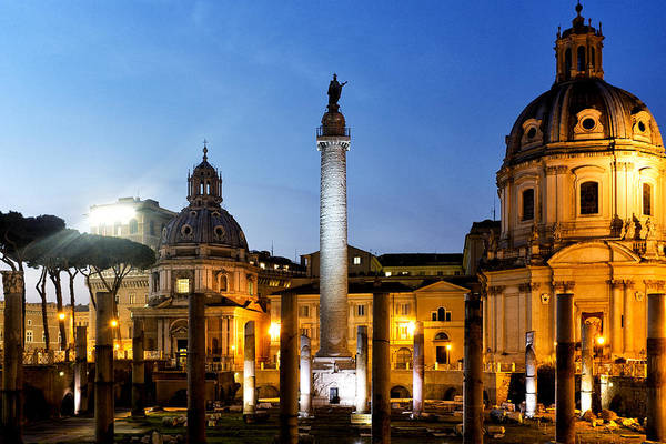 Photograph - Trajan's Column by Fabrizio Troiani