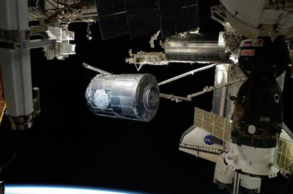 Endeavour Photograph - Tranquillity Module And The Iss by Nasa/science Photo Library