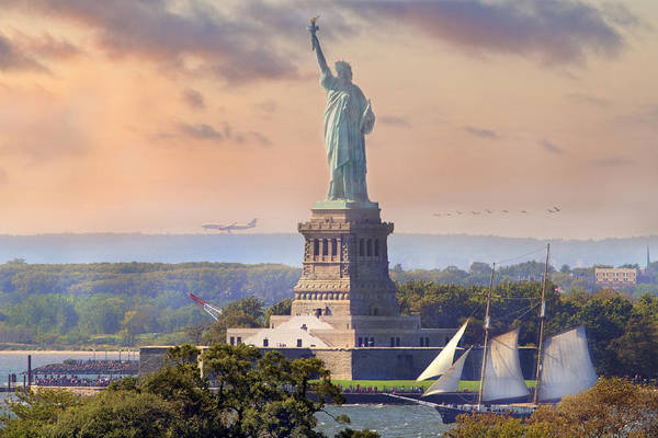 Lady Liberty Photograph - Traveling Freedom by Betsy Knapp