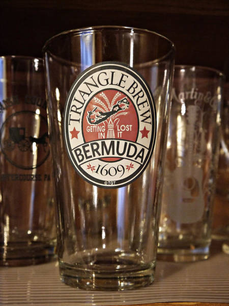 Photograph - Triangle Brew Bermuda by Richard Reeve