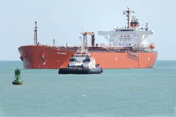 Photograph - Tug Aproaching Tanker by Bradford Martin