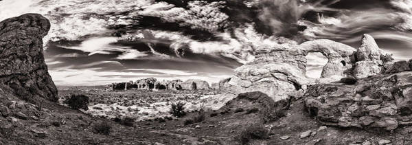 Wall Art - Photograph - Turrent Arch Panorama In Black And White by Juan Carlos Diaz Parra