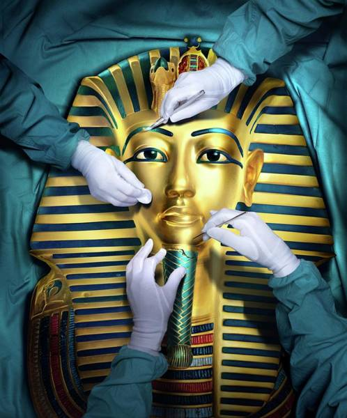 Funeral Photograph - Tutankhamun Restoration by Smetek/science Photo Library