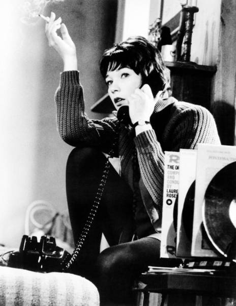 Wall Art - Photograph - Two For The Seesaw, Shirley Maclaine by Everett
