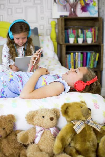 Big Bear Photograph - Two Sisters In Bedroom by Science Photo Library