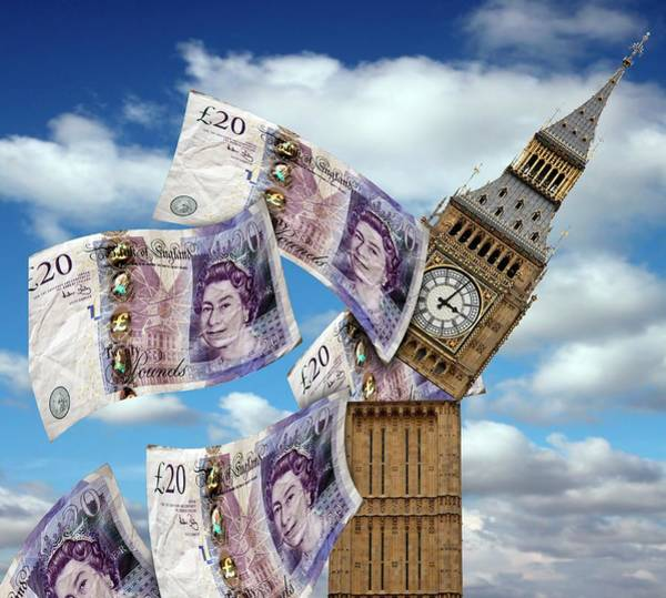 Elizabeth Tower Wall Art - Photograph - Uk Government Spending by Victor De Schwanberg/science Photo Library