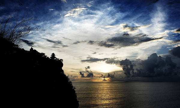 Photograph - Uluwatu Temple by Yew Kwang